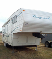 2000 Vanguard 249 Fifth Wheel For Sale